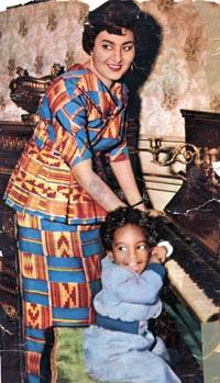 Fathia_Nkrumah_with_son_Gamal.jpg (200×349)