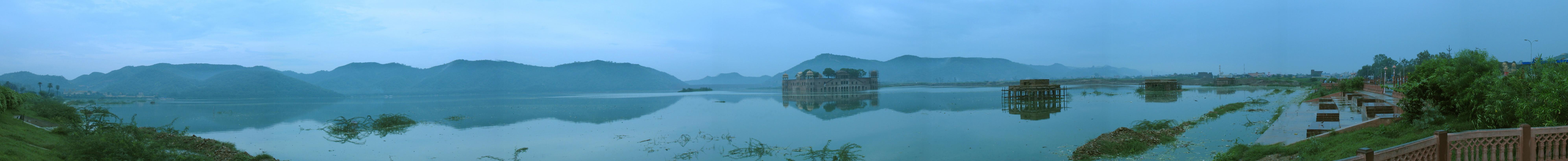English: Jal Mahal in Jaipur Rajastan. This pa...