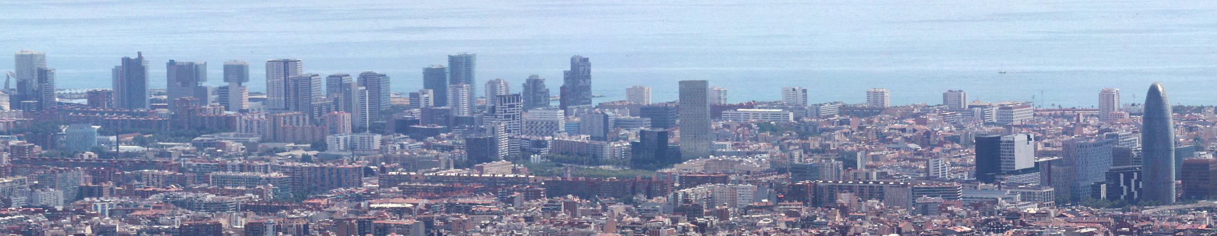 https://i2.wp.com/upload.wikimedia.org/wikipedia/commons/3/3c/Skyscrapers_in_Diagonal_Mar%2C_Barcelona.jpg
