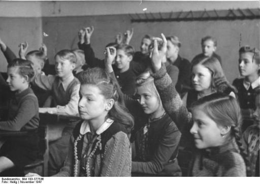 Bundesarchiv Bild 183-S77546, Schulunterricht