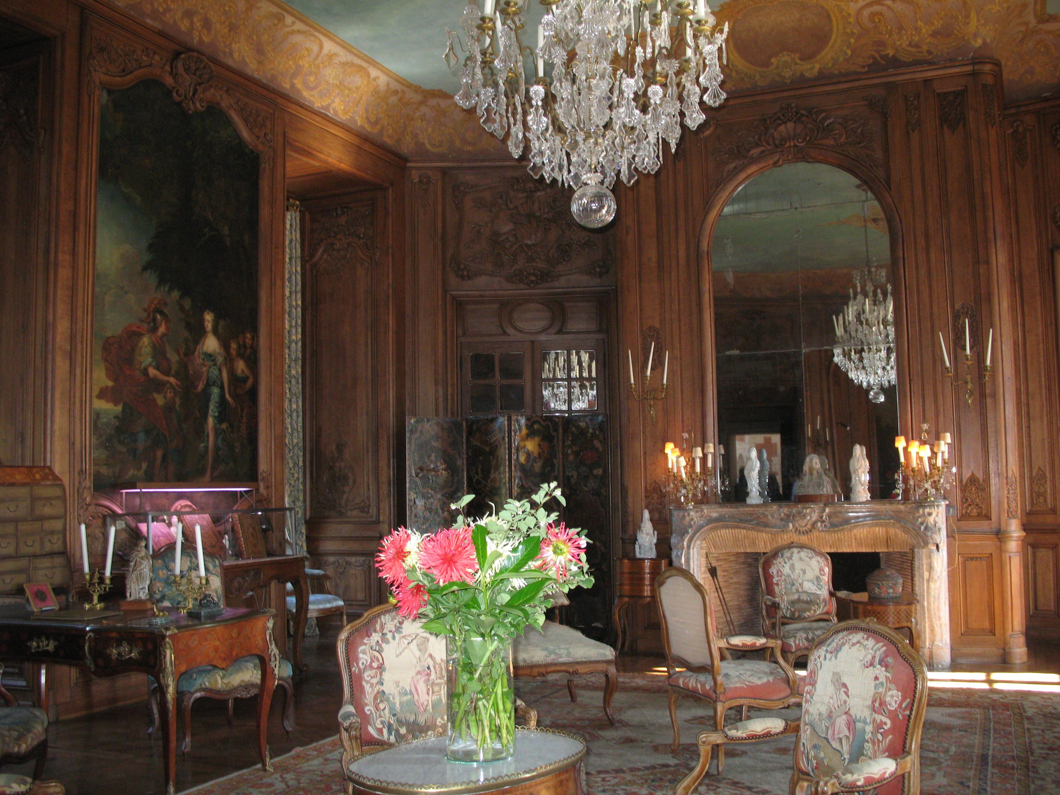 im großen Salon, Foto von PHILDIC, Lizenz: public domain/gemeinfrei
