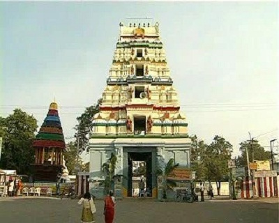 https://i2.wp.com/upload.wikimedia.org/wikipedia/commons/4/40/Front_view_of_Amaravati_Gopuram.jpg