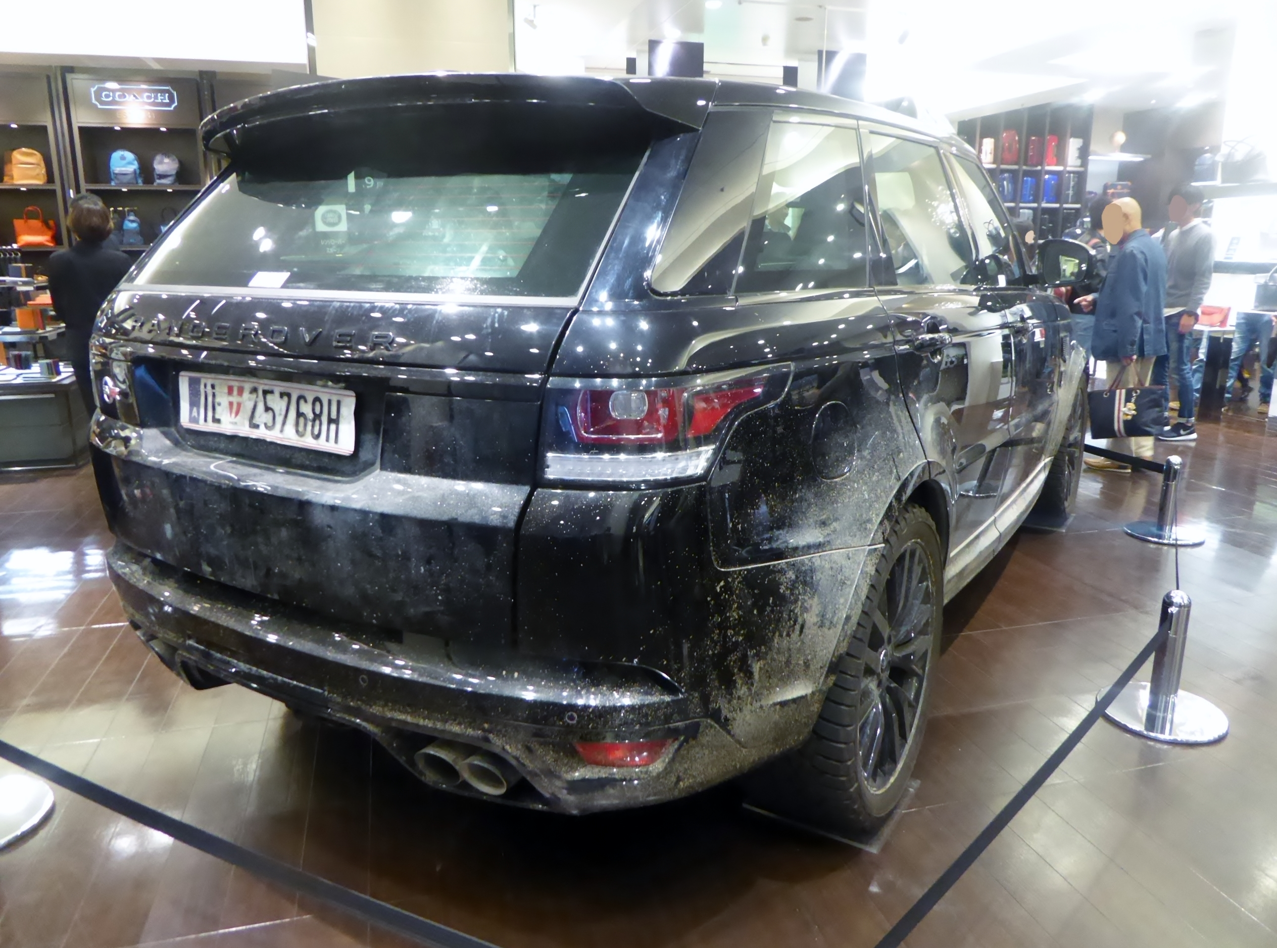 File The rearview of Land Rover RANGE ROVER SPORT SVR L494 used