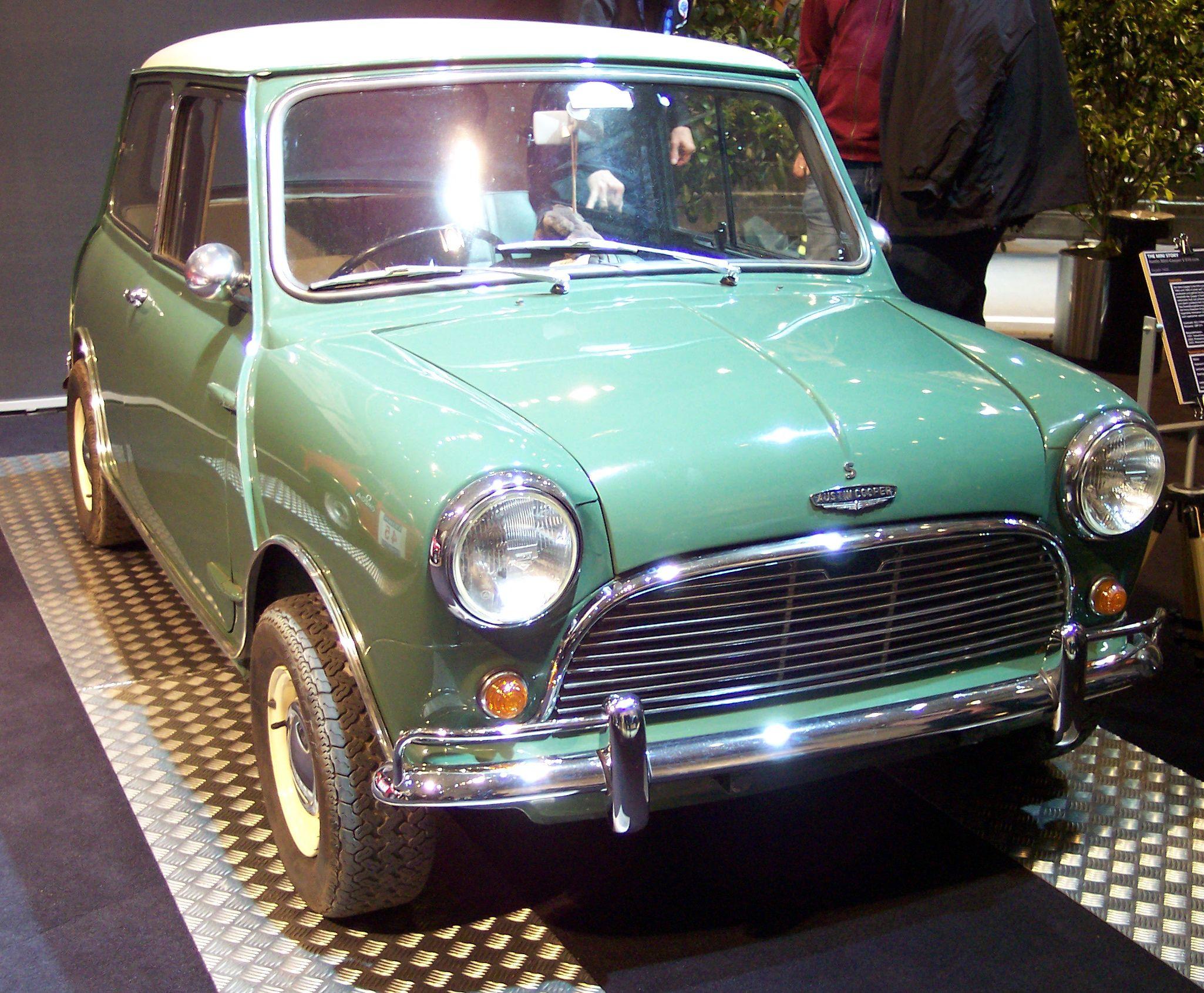 Green Austin Mini on Wikipedia