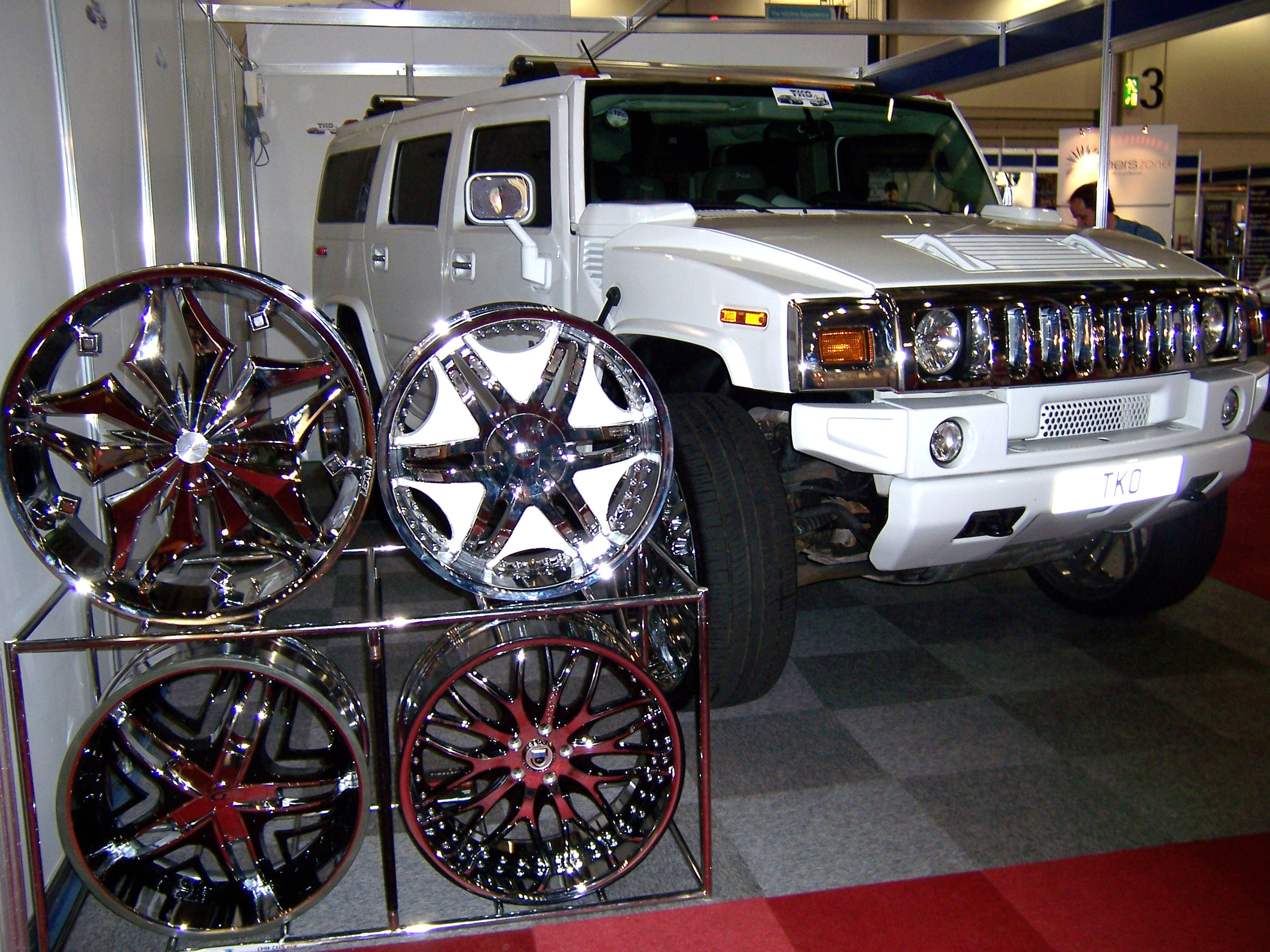 File Hummer H2 and Alloy Wheels Flickr Alan D Wikimedia
