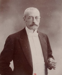 Pierre Waldeck-Rousseau by Nadar