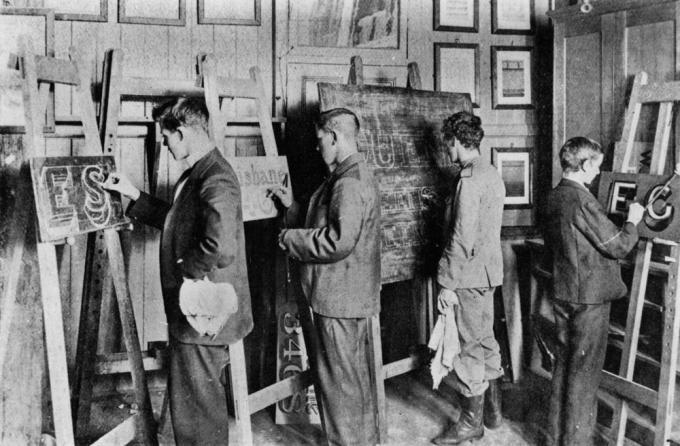 StateLibQld 1 102016 Interior of Brisbane Technical College Signwriting class, ca. 1900.jpg