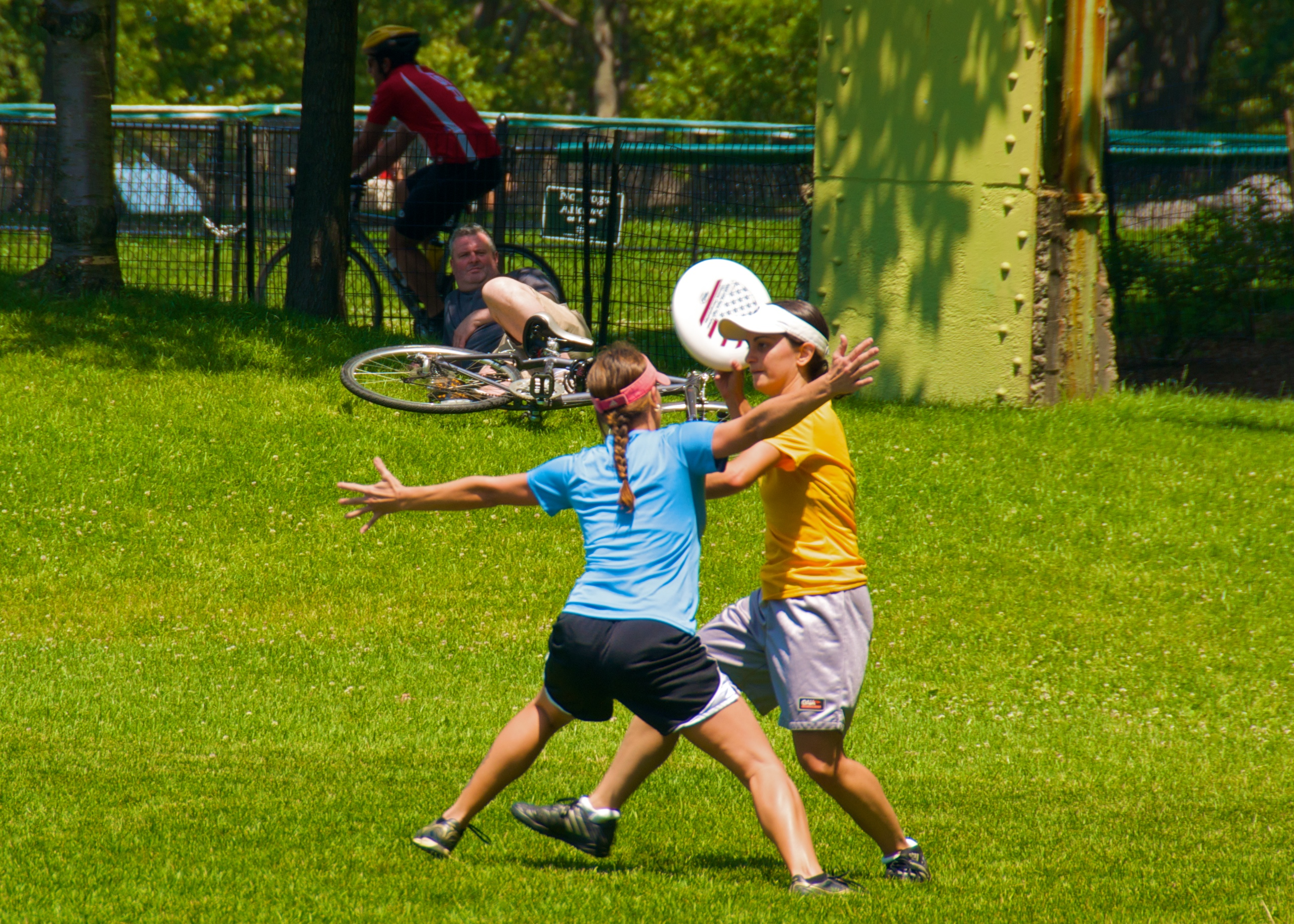 File:Ultimate Frisbee, Jul 2009