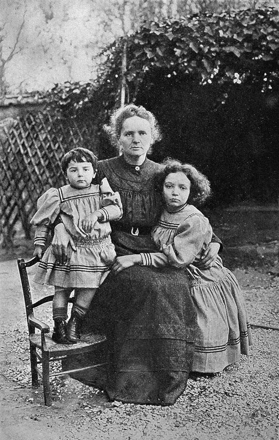 Marie Curie and her two daughters