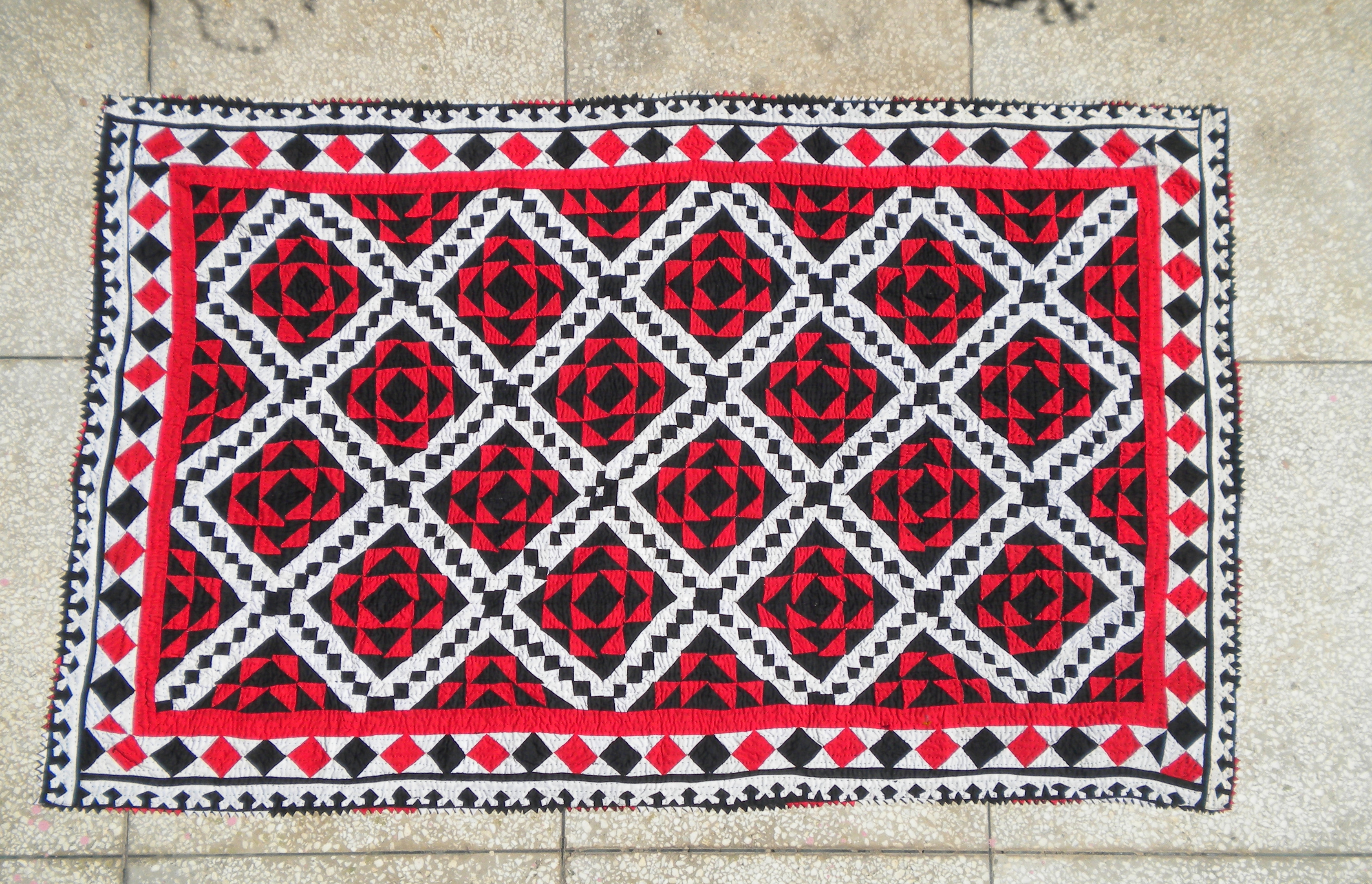 English: Ralli is a Sindhi Pakistani quilt wor...