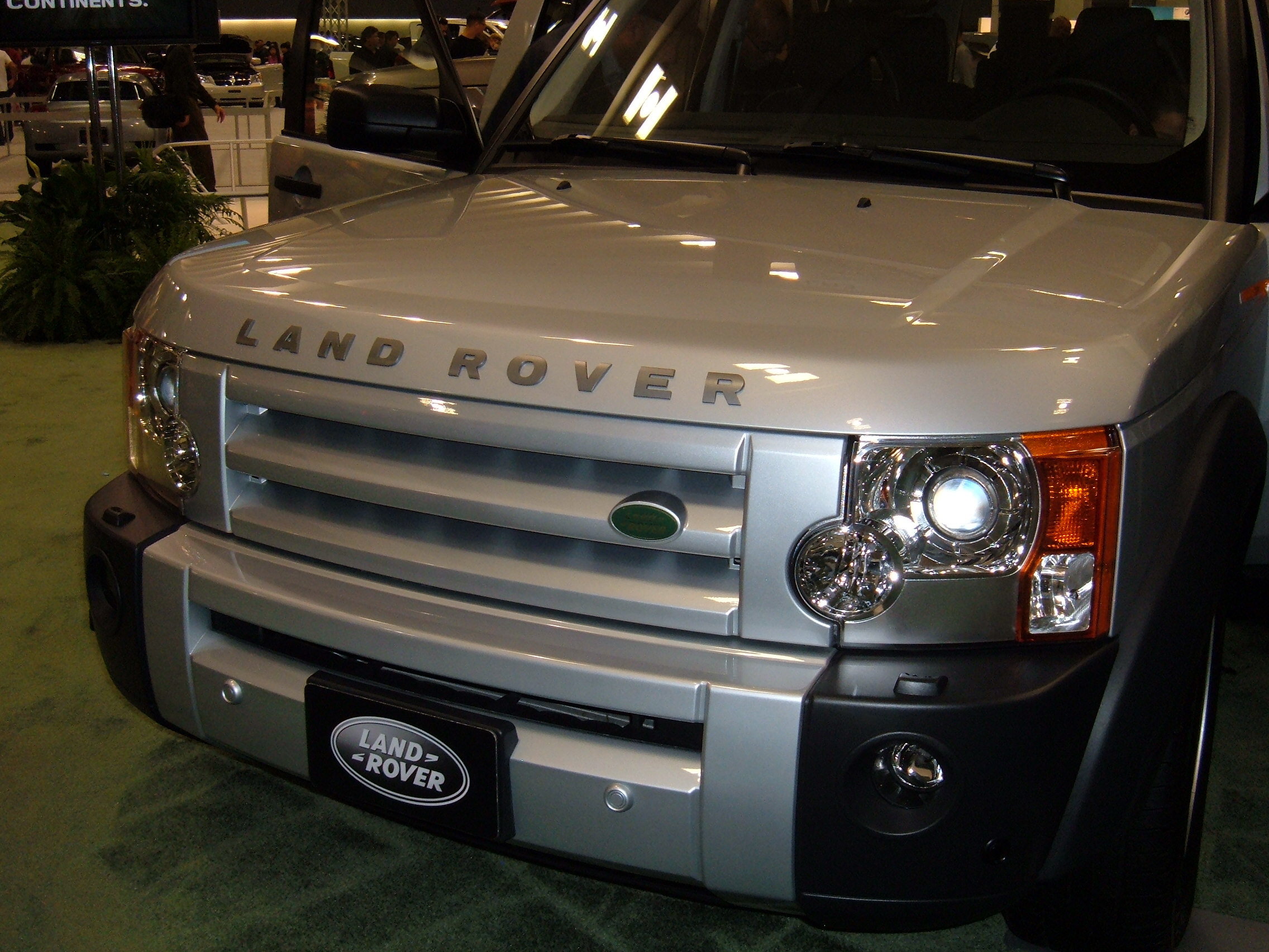 land rover lr3 images start 200 WeiLi Automotive Network