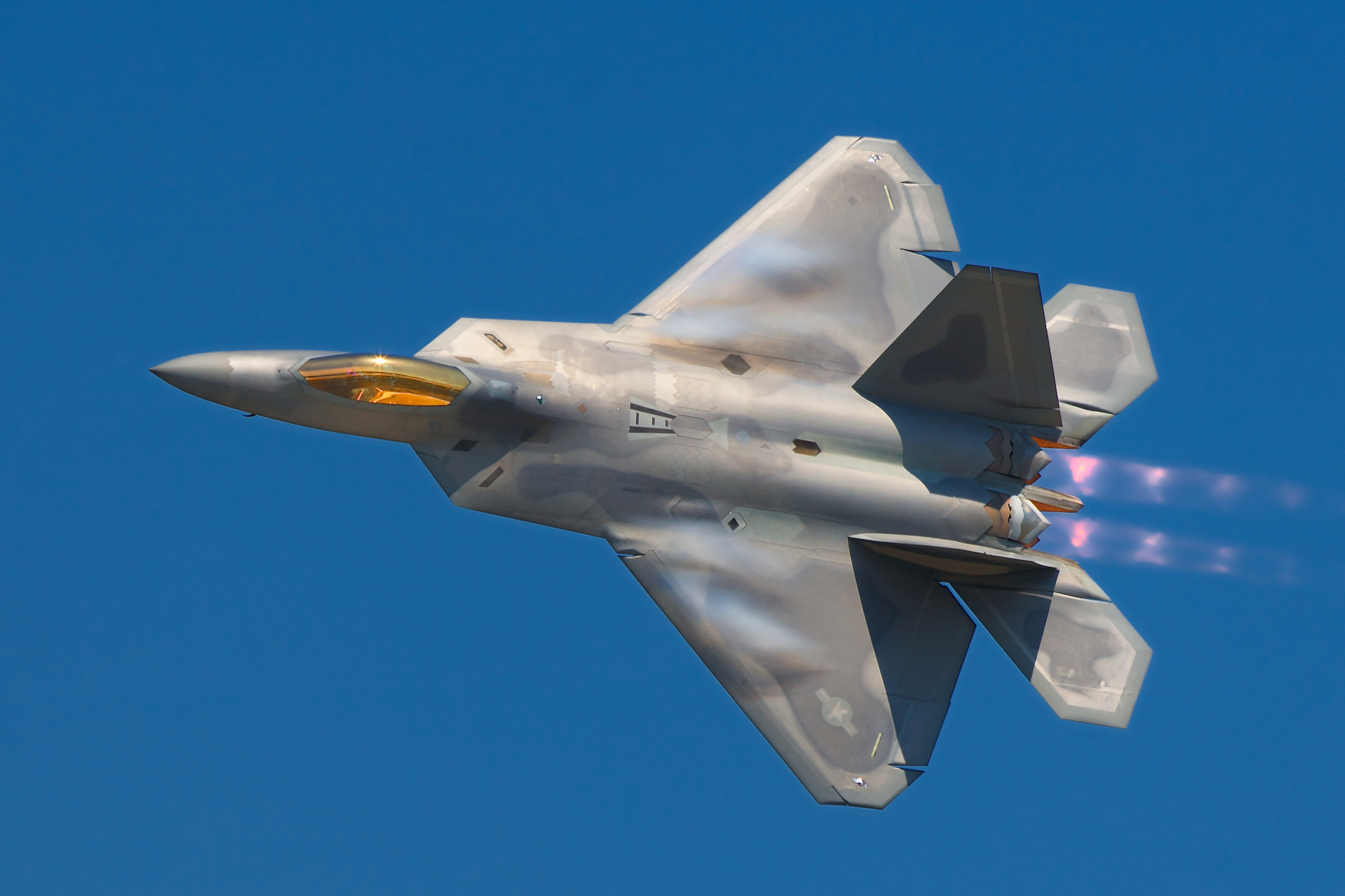 Image of an F-22, looking sexy as ever.