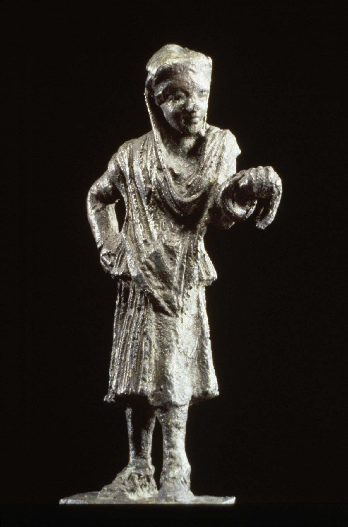 Бронзовая статуя греческого актера.