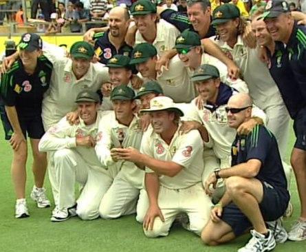 Australia regain Ashes 2006