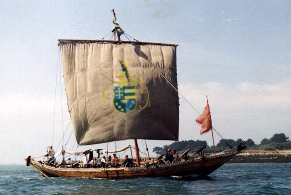 """Română: Ofidia (barcă de război) """"Cetatea..."""