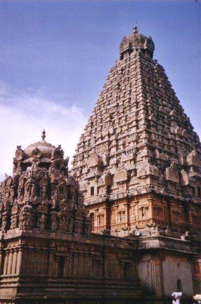 Thanjavur Temple,India.jpg