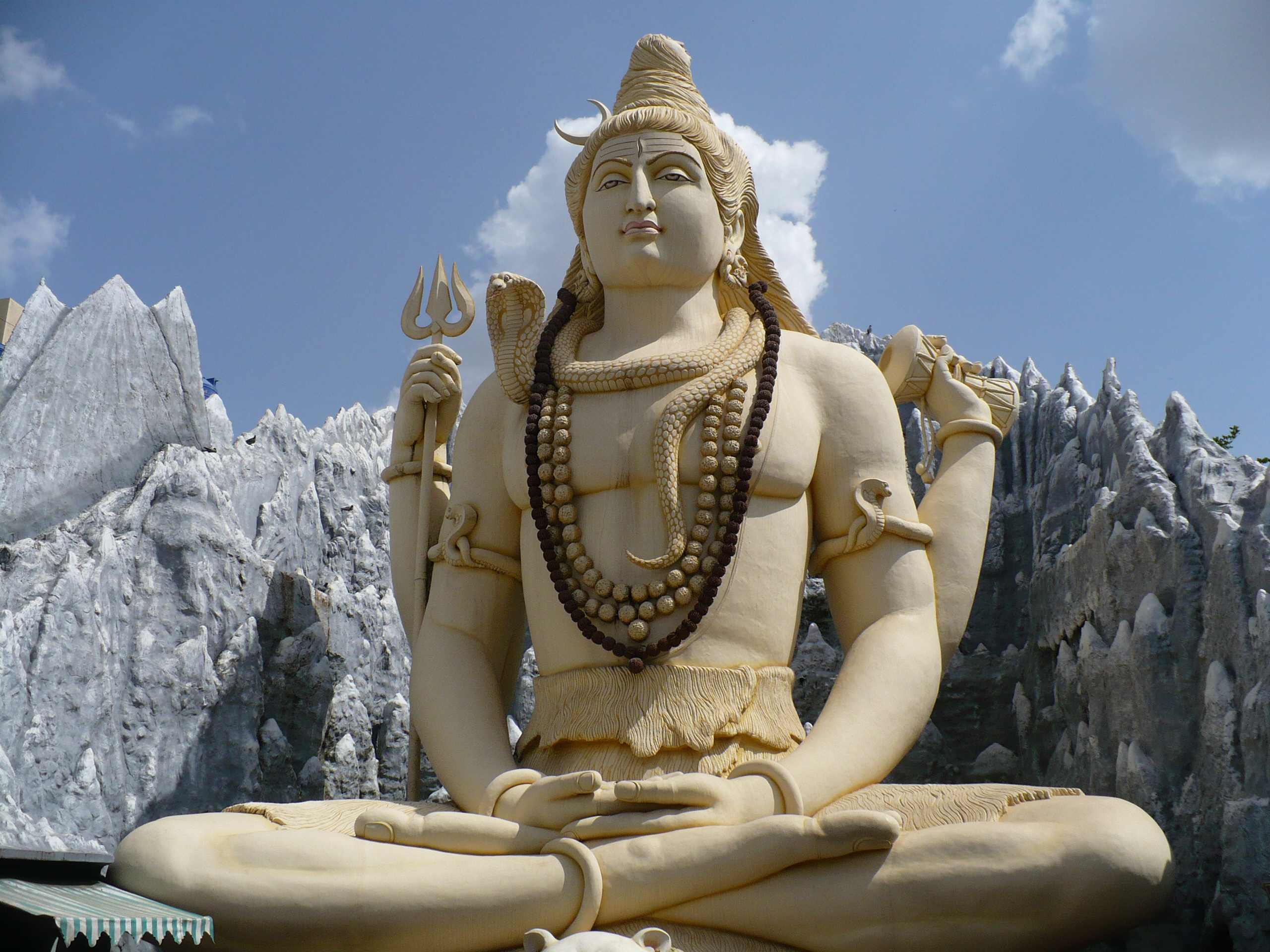 https://i2.wp.com/upload.wikimedia.org/wikipedia/commons/5/52/Bangalore_Shiva.jpg