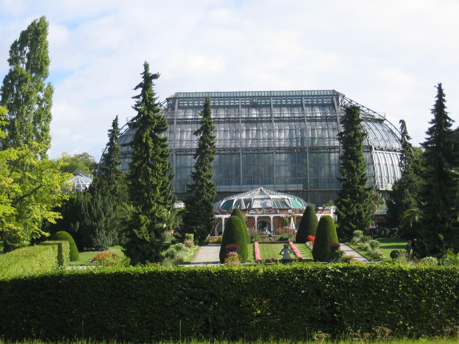 File:Gewaechshaus Botanischer Garten Berlin.jpg