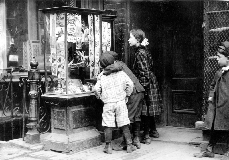 File:Christmas Shopping, 1910.JPG