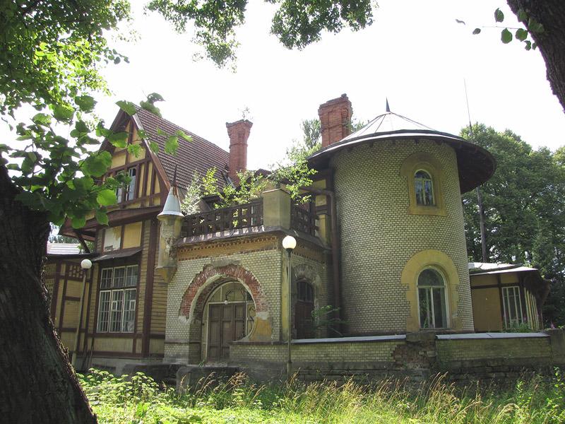 Hausvald`ın bağ evi