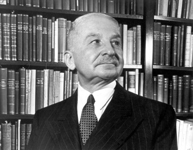 Mises in his library