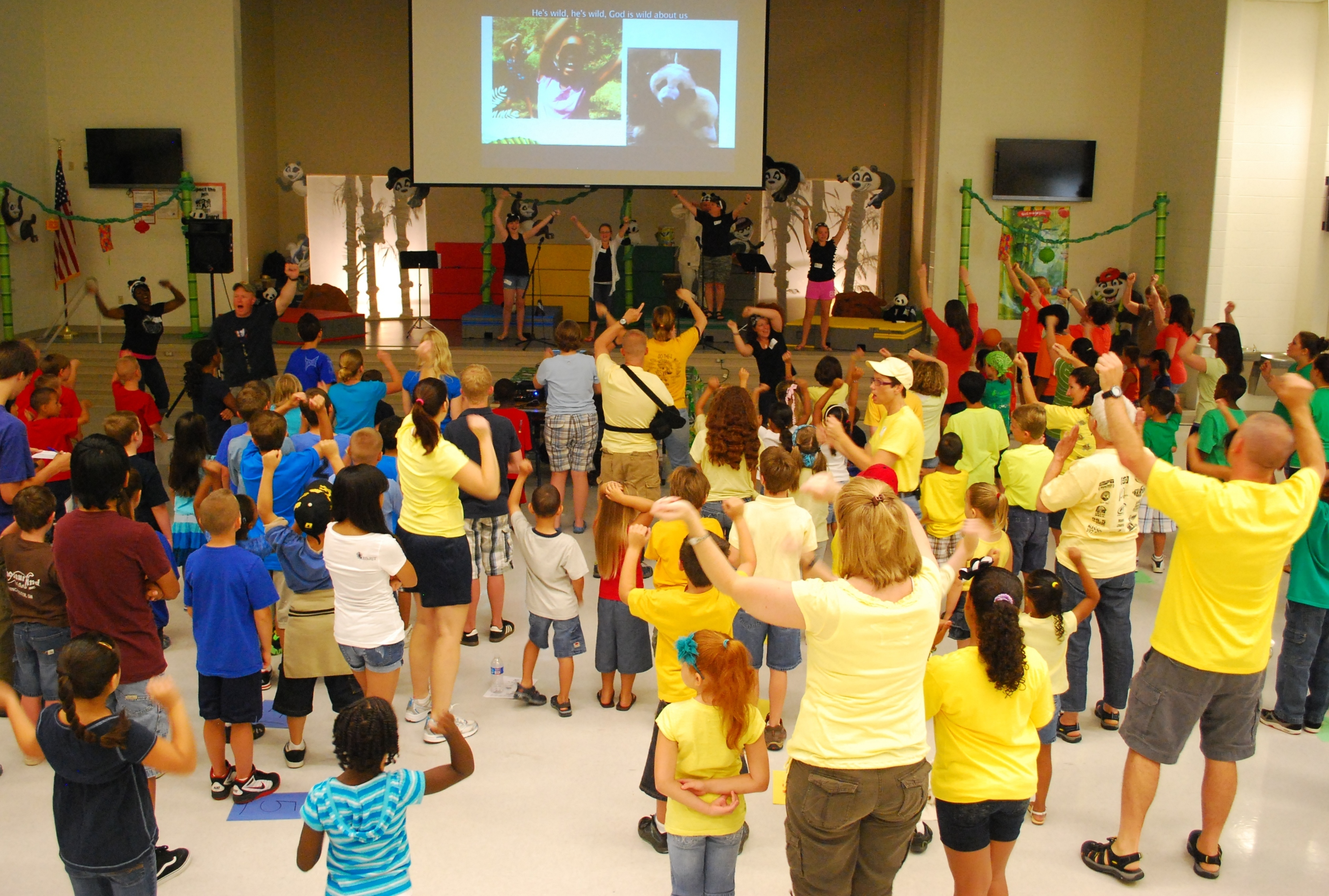 File Bragg Kids Go Wild For Vacation Bible School Dvids