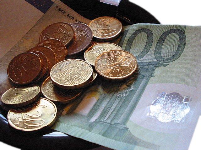 https://i2.wp.com/upload.wikimedia.org/wikipedia/commons/5/5d/Paiement_euros.jpg