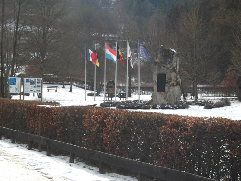 Datei:Europadenkmal DE-BE-LU.jpg