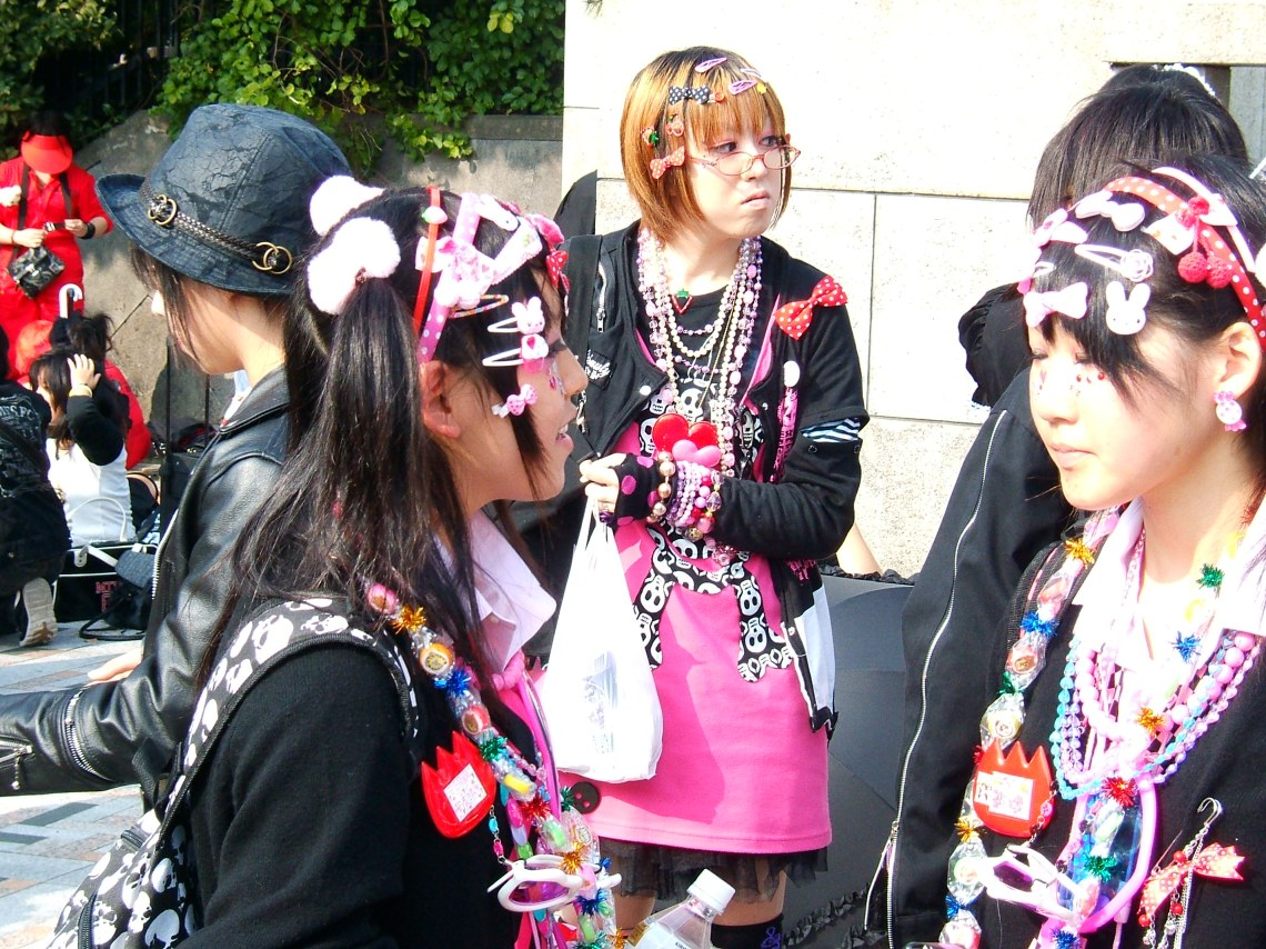 More Harajuku girls Decora Fashion