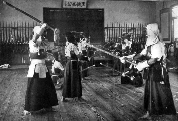 https://i2.wp.com/upload.wikimedia.org/wikipedia/commons/6/61/FENCING_AT_AN_AGRICULTURAL_SCHOOL.jpg?w=1170