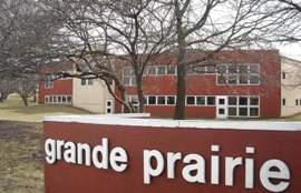 English: Grande Prairie Library building taken...