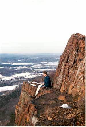 https://i2.wp.com/upload.wikimedia.org/wikipedia/commons/6/64/Mount_Tom_Massachusetts.jpg