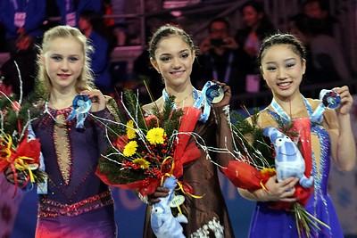 Resultado de imagem para medvedeva junior championship podium