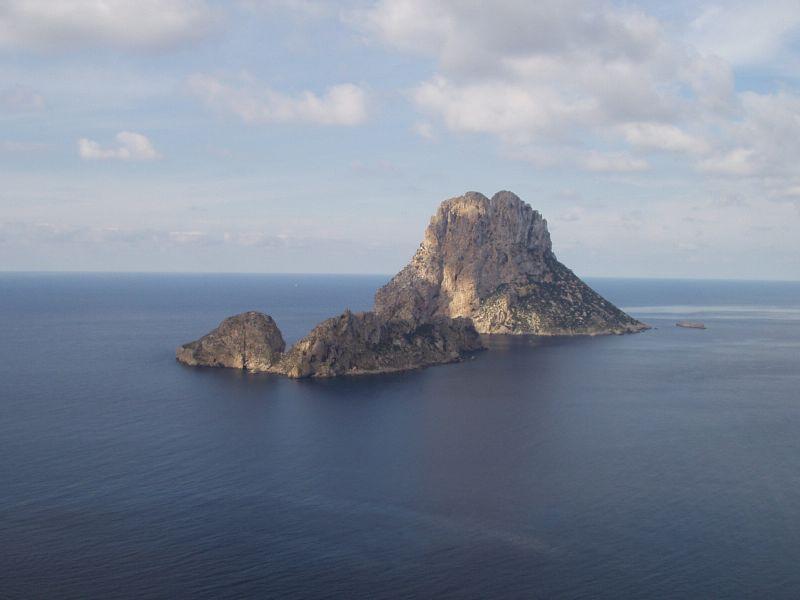 Archivo:Es Vedrá (Eivissa).jpg