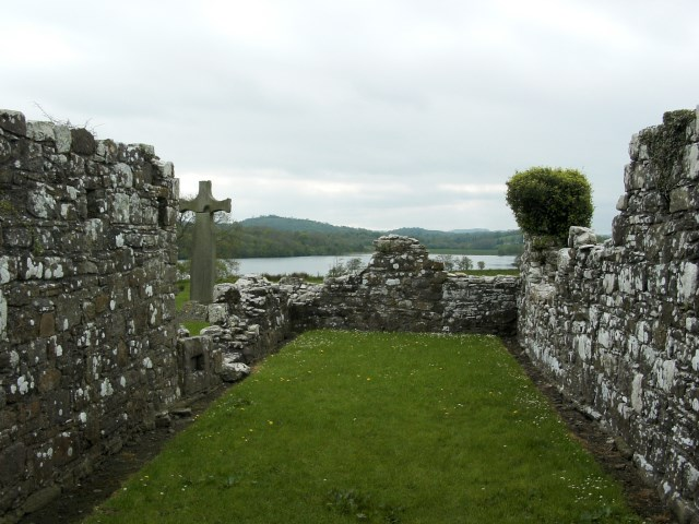 English: Ruins of Inishmacsaints