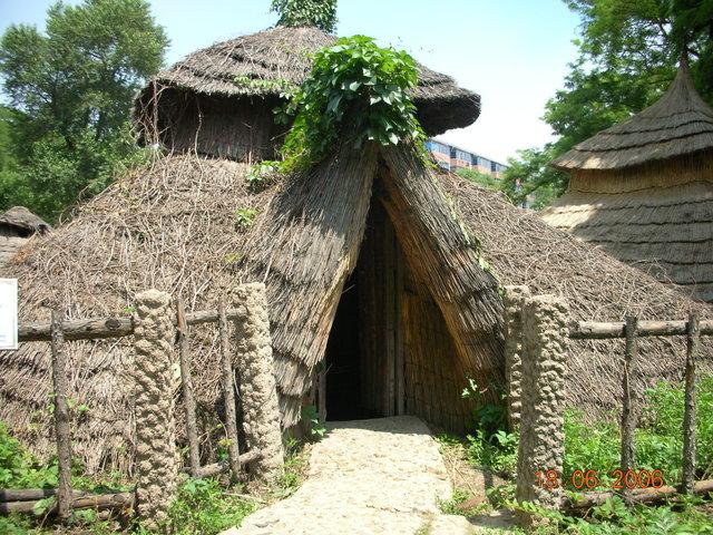 File:Xinle houses 01.jpg