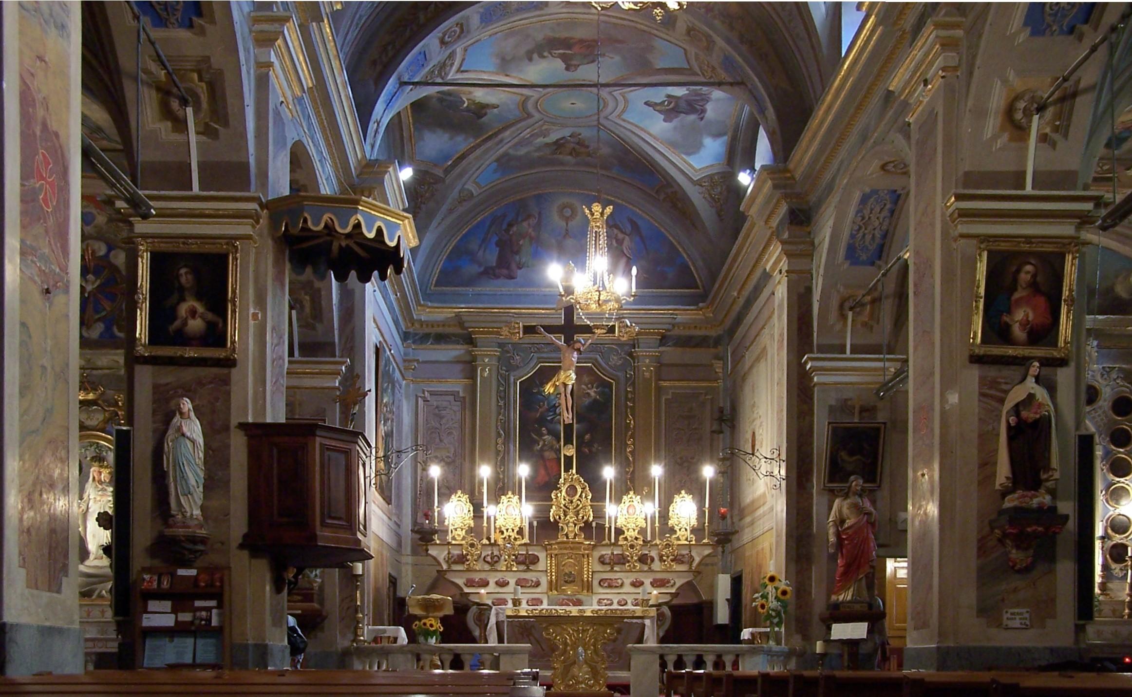 File Roquebrune Church Inside