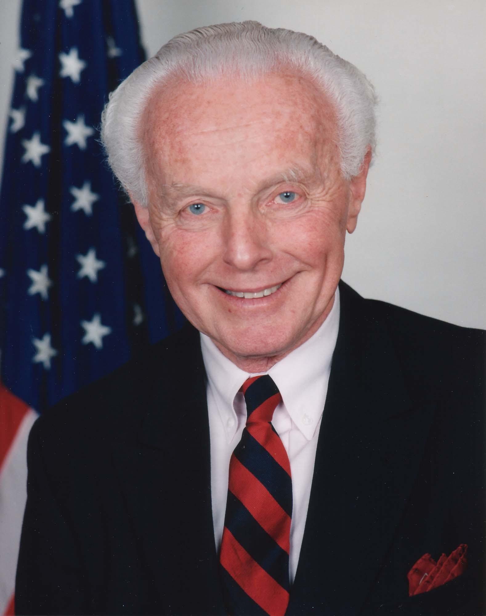 https://i2.wp.com/upload.wikimedia.org/wikipedia/commons/6/69/Tom_Lantos.jpg