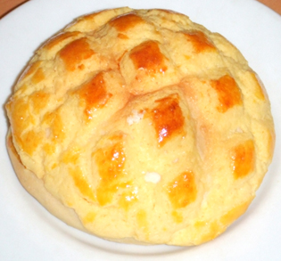 image of bo lo bao / pineapple bun