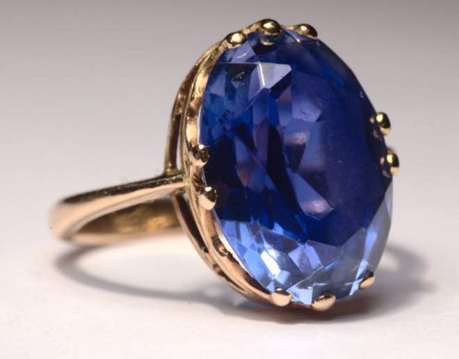 How blue is my sapphire? Blue as the sea can be. Sea Blue Stones and Jewelers.