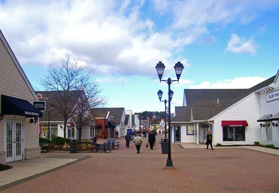 Stores Woodbury Commons Outlet