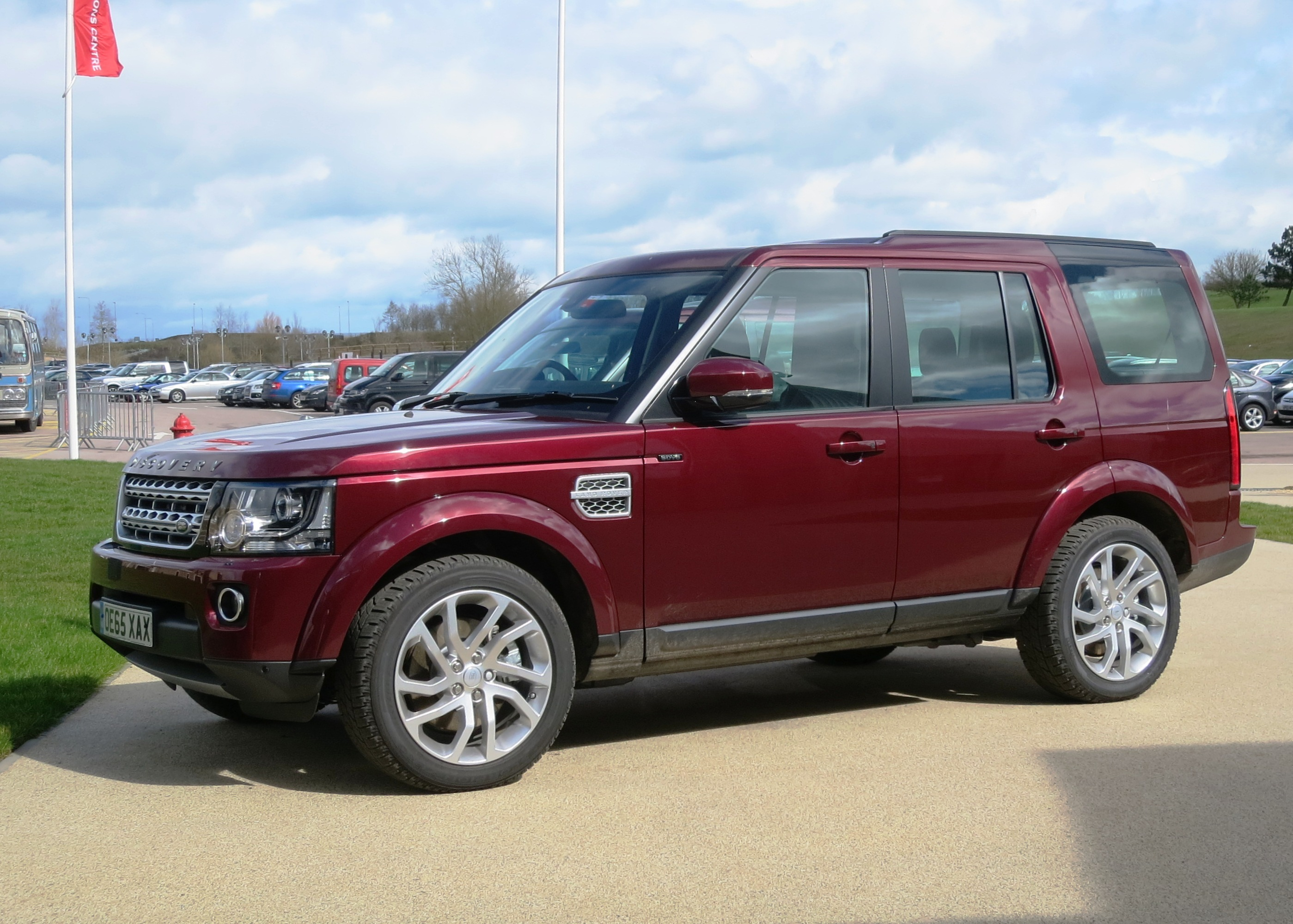 File Land Rover Discovery HSE Diesel registered January 2016
