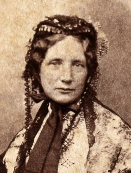https://i2.wp.com/upload.wikimedia.org/wikipedia/commons/7/70/Harriet_Beecher_Stowe_c1852.jpg?resize=257%2C341