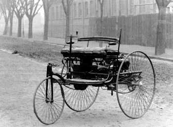 this here is the benz patent motorwagen and it is quite literally the first car ever made it was powered by a two stroke one horsepower engine and it was