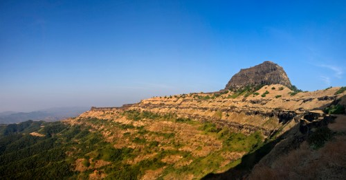https://i2.wp.com/upload.wikimedia.org/wikipedia/commons/7/73/Bali_Khila_Rajgad_Maharashtra.jpg?resize=500%2C260&ssl=1