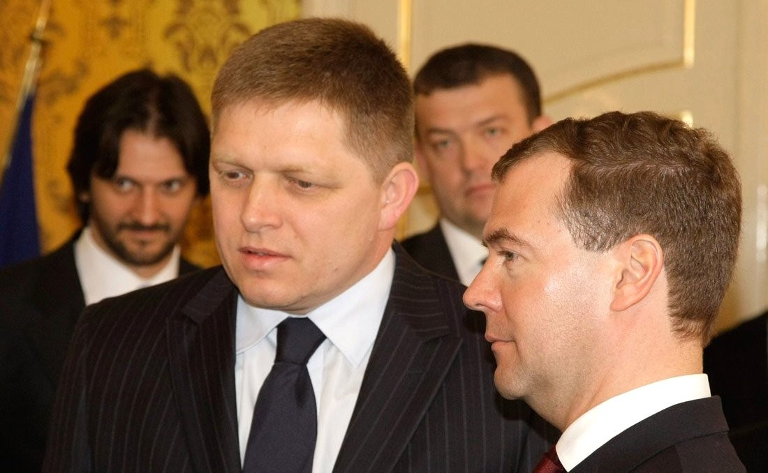 English: With Prime Minister of Slovakia Rober...