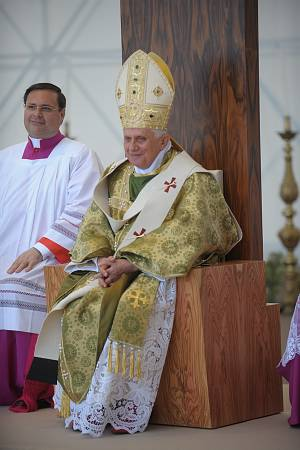 English: pope benedict XVI in Brindisi Italian...