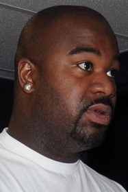 Tennessee Titans Albert Haynesworth man the le...