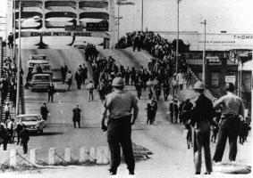 Bloody Sunday (1965) - Alabama officers await ...