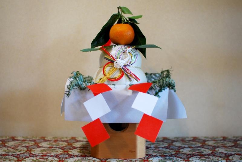kagami mochi decoração japonesa típica do ano novo no japão, shogatsu